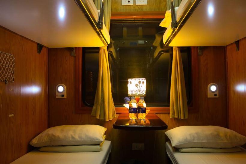 Giường nằm tàu hỏa khoang 4 Sapa.jpg