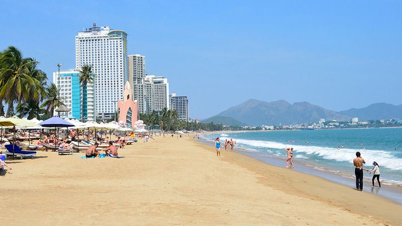 Bãi Biển Nha Trang.jpg