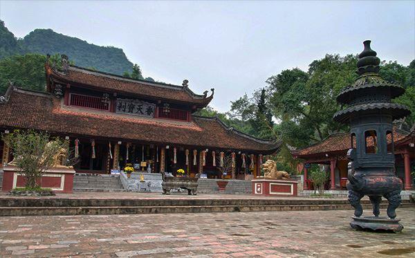 Tour du lịch chùa Hương 1 ngày.jpg