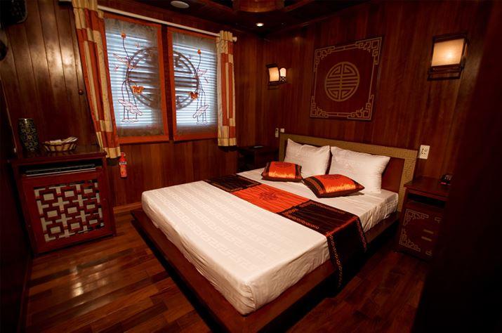 Phòng ngủ du thuyền Phoenix Cruise.jpg