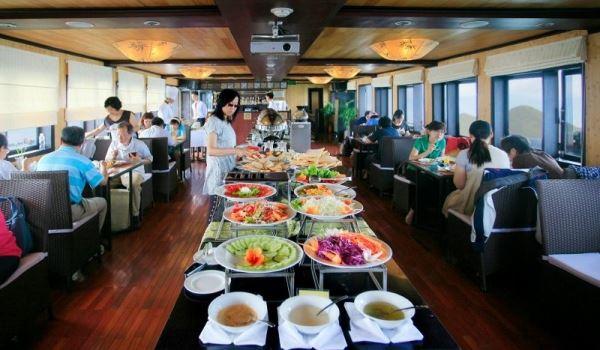 Syrena cruise restaurant