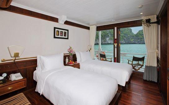 Au co cruise twin cabin