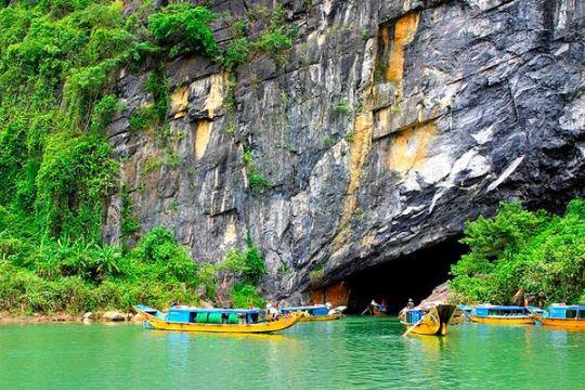 Tour du lịch Phong Nha.jpg