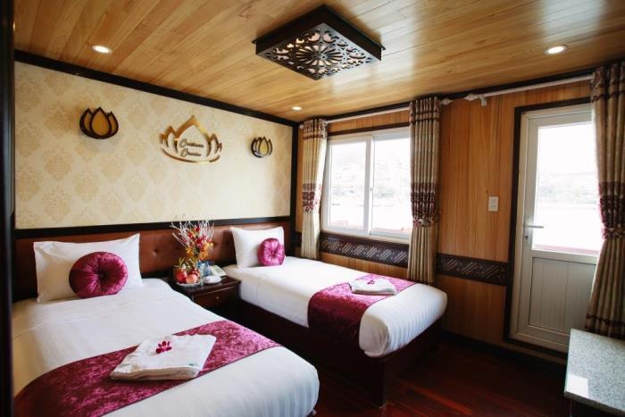 Cristina Diamond Twin cabin