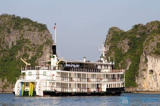 Tour du lịch Hạ Long 2 ngày - Du thuyền Emeraude cruise
