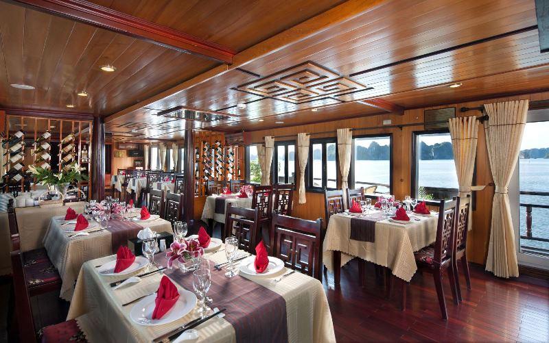 Paloma cruise Restaurant