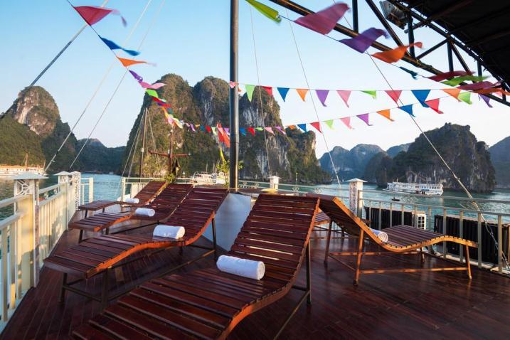 Peace Charm cruise Halong bay sundex