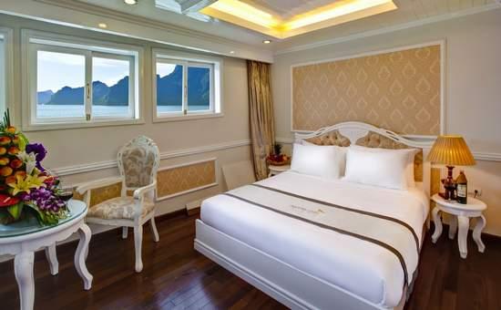 Phòng ngủ Double du thuyền Signature cruise.jpg