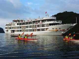 Tour du lịch Hạ Long 2 ngày - Du thuyền Starlight cruise