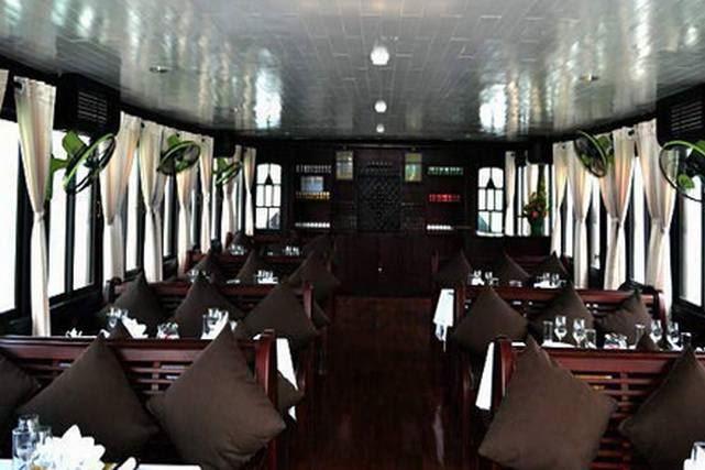 Tour du lịch Hạ Long 1 ngày trên du thuyền Phoenix cruise 1