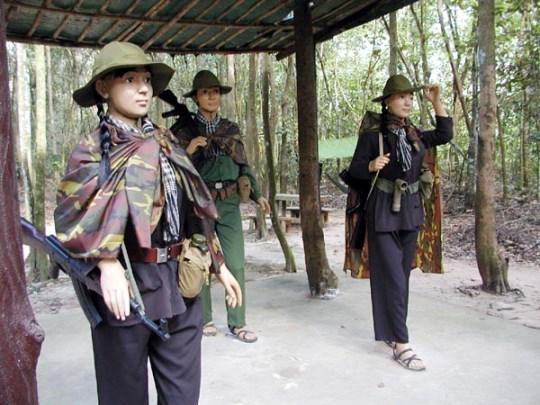 Tour du lịch Tp Hồ Chí Minh, Địa đạo Củ Chi 1 ngày