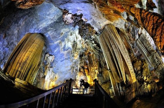Tour du lịch 30/4 - TP HCM, Đà Nẵng, Huế, Động Thiên Đường 4 ngày