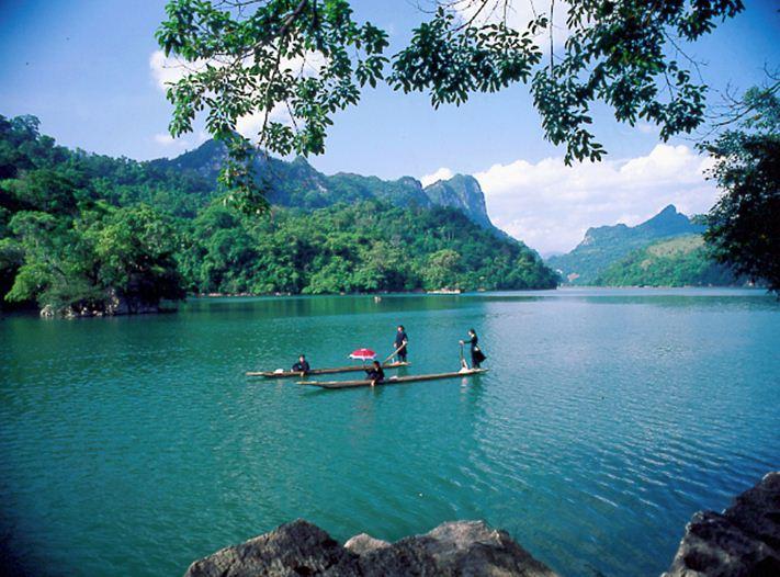 Tour du lịch Hồ Ba Bể, Thác Bản Giốc, Hang Pác Bó 3 ngày