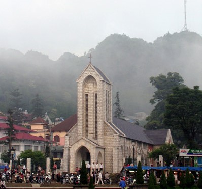 Tour du lịch Sapa, Chinh phục đỉnh Fansifan - Tàu hỏa du lịch